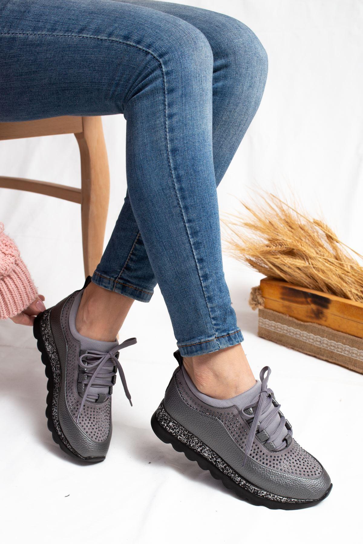 Pavi Gri Taşlı Kadın Spor Ayakkabı