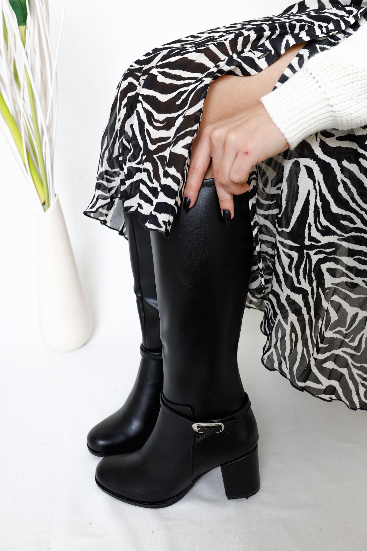 Amaya Siyah Topuklu Kadın Çizme