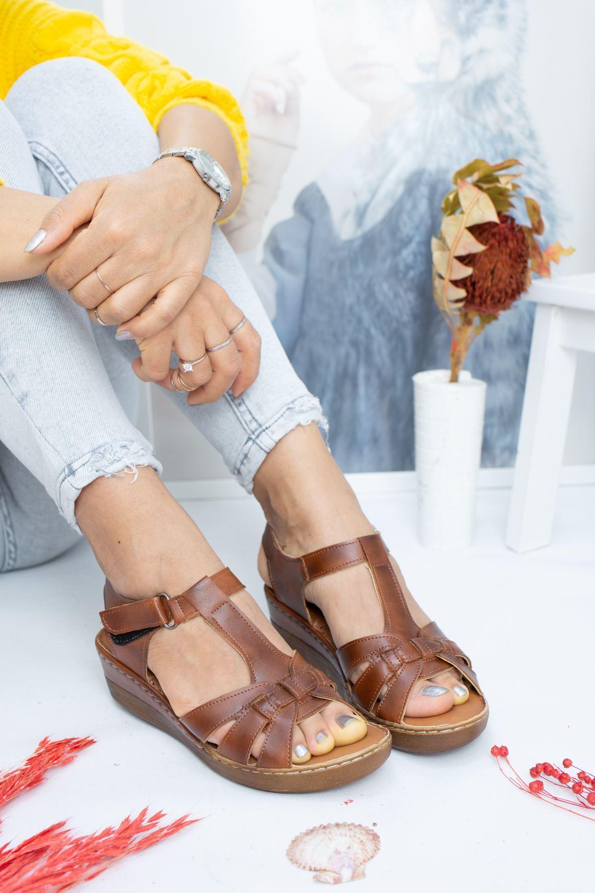 Gian Taba Cilt Kadın Sandalet