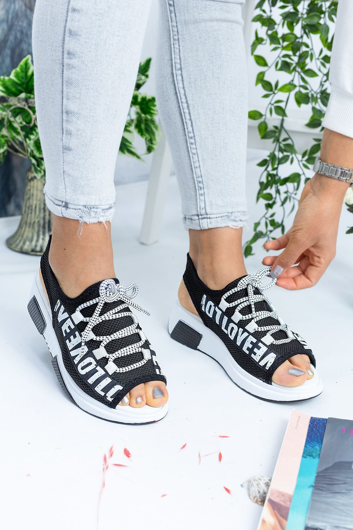 Love Siyah Triko Kadın Sandalet