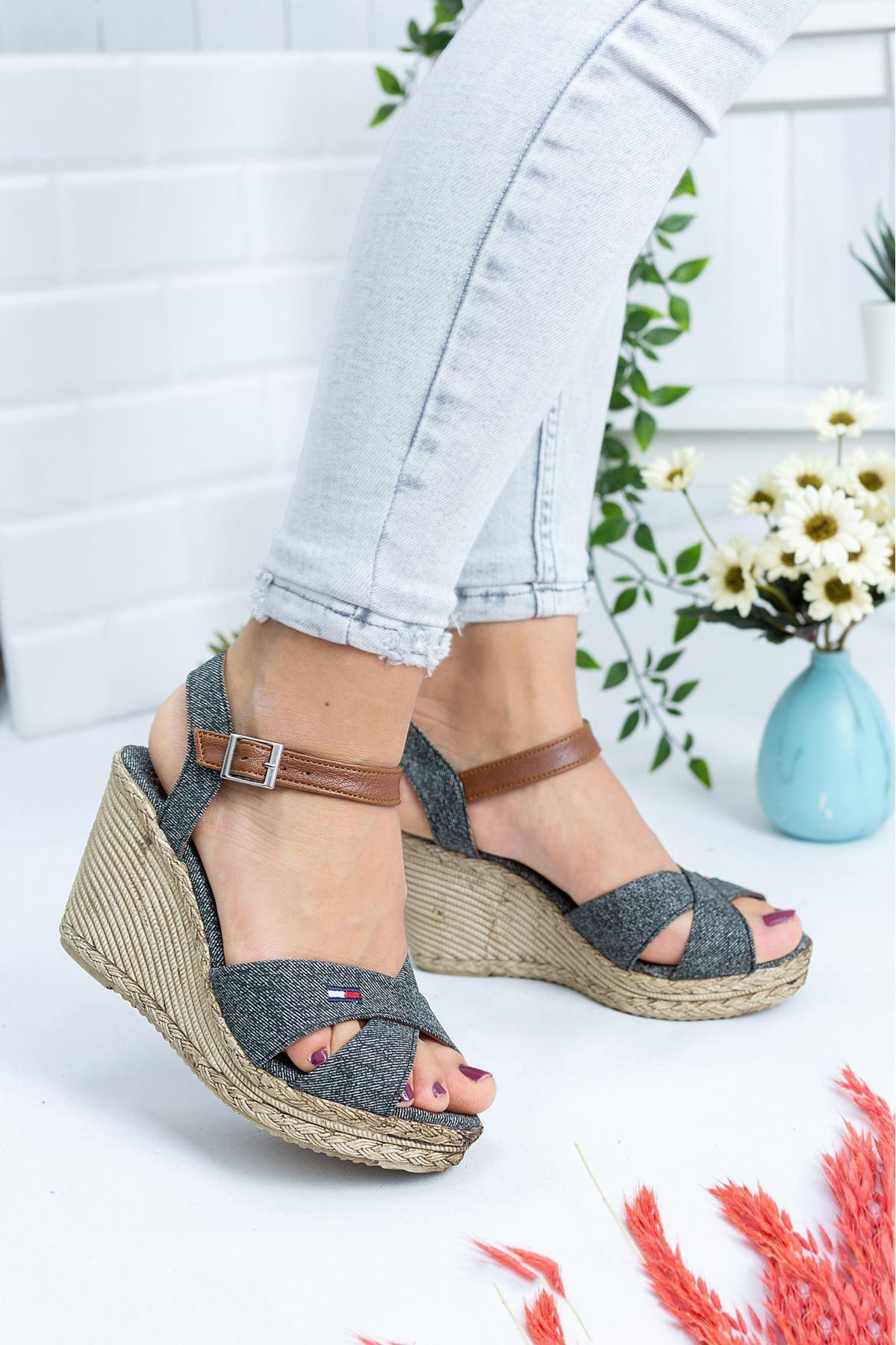 Ernest Yeşil Kadın Dolgu Topuk Ayakkabı