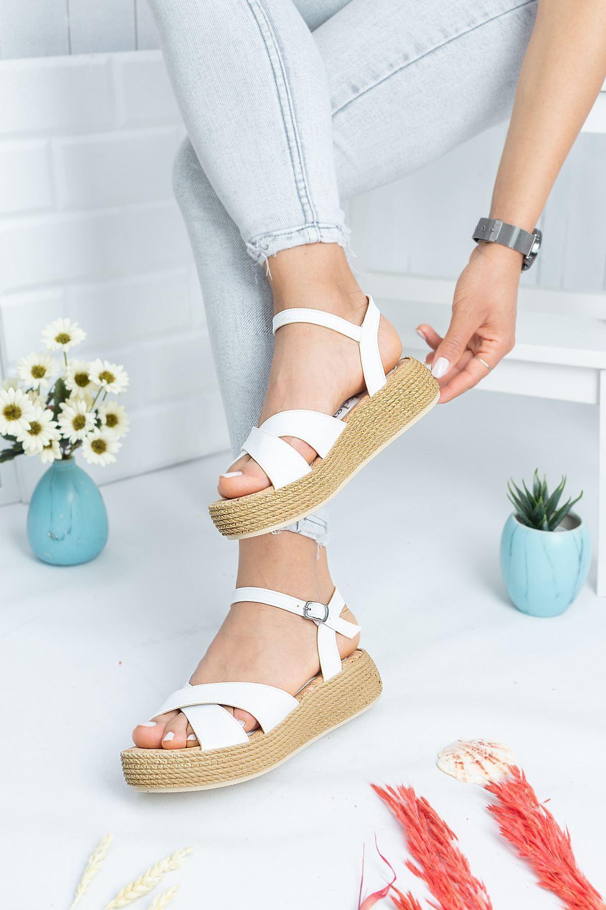 Rena Beyaz Cilt Kadın Sandalet