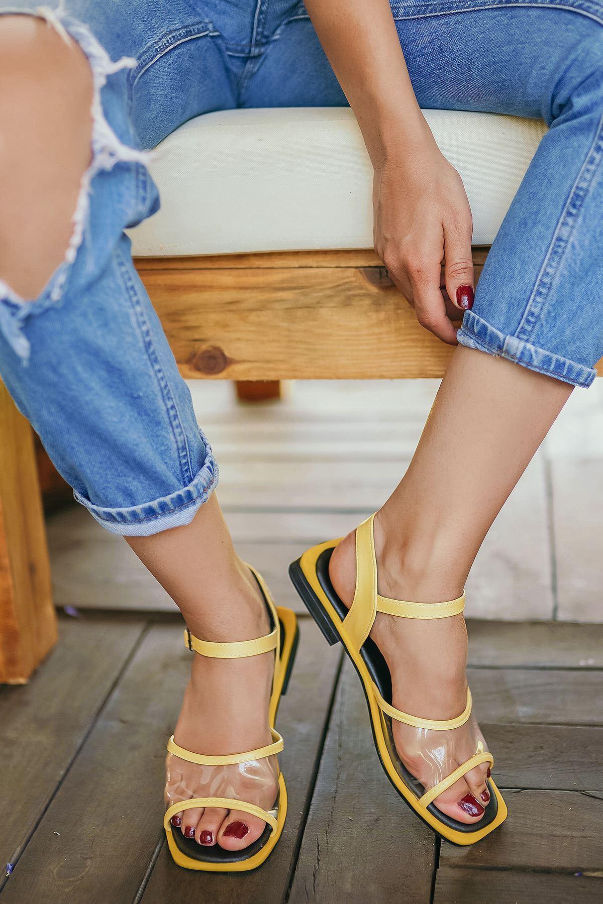 Ricky Limon Şeffaf Kadın Sandalet