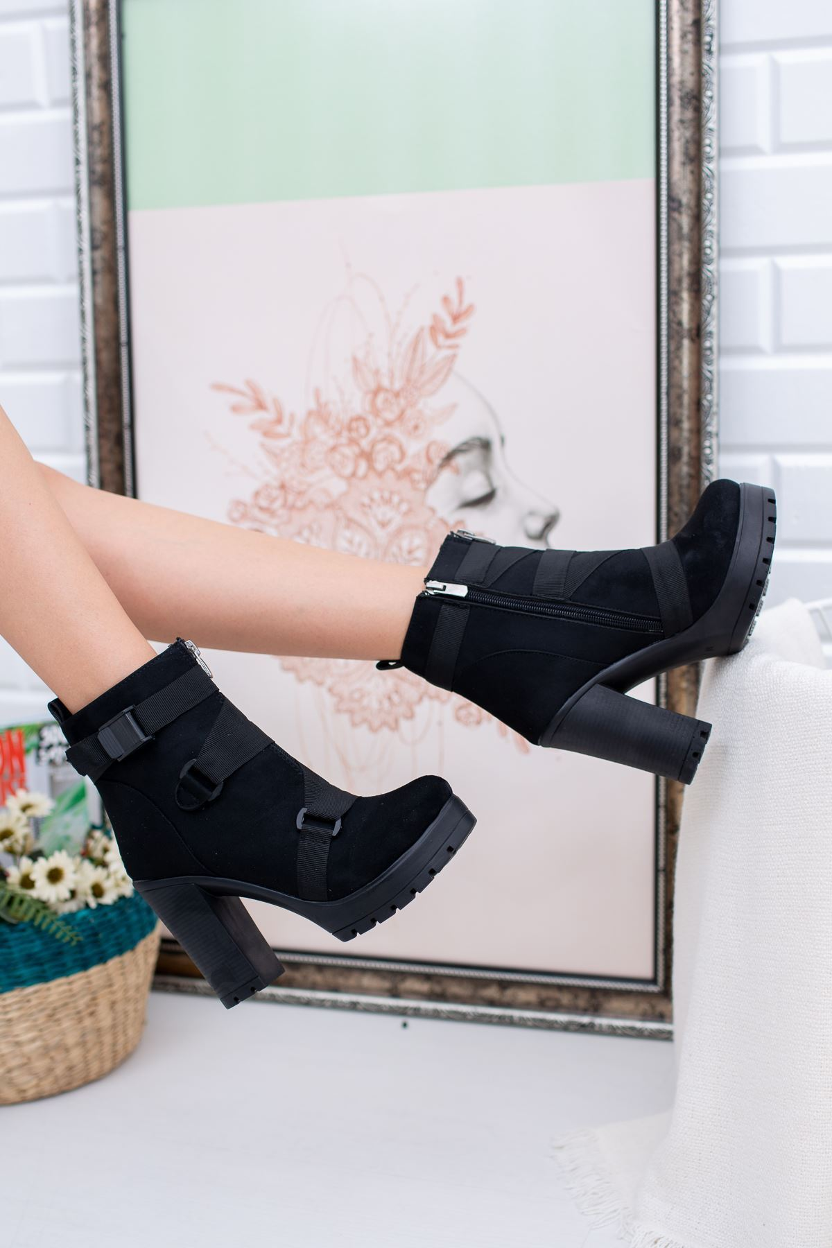 Eva Siyah Süet Yüksek Topuklu Kadın Bot