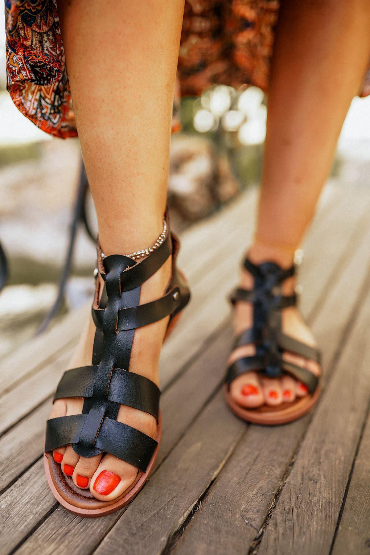 Alondra Siyah Deri Sandalet