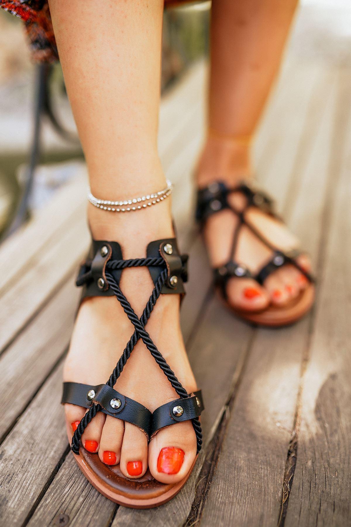 Corde Siyah Deri Sandalet
