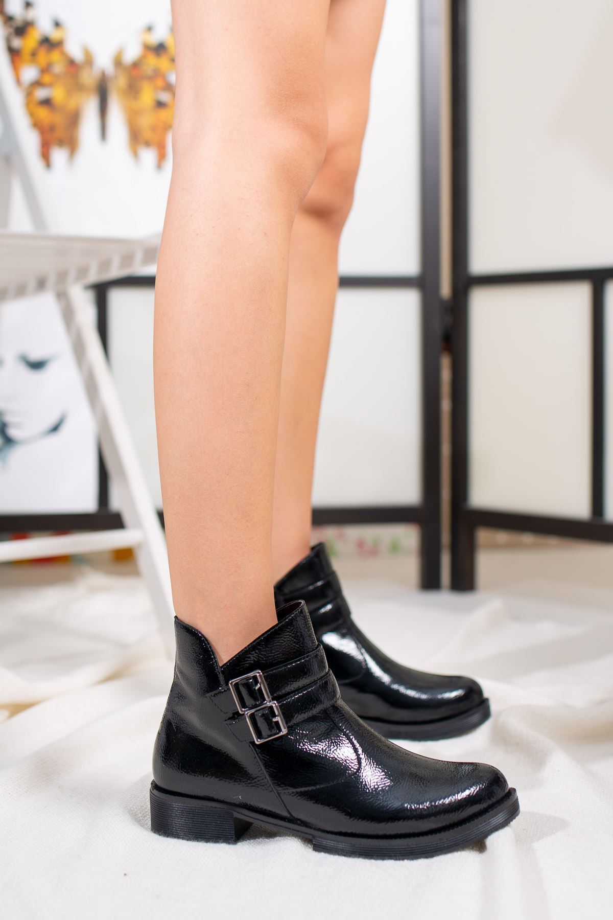 Lacey Siyah Rugan Kadın Bot