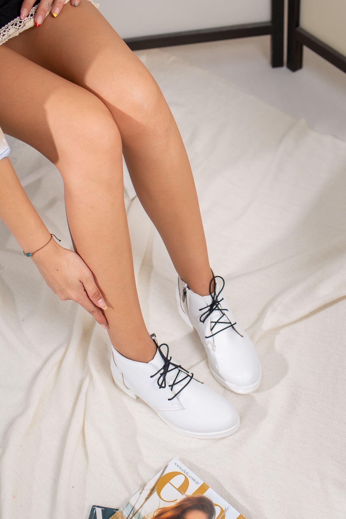 Bianca Beyaz Kadın Düz Bot