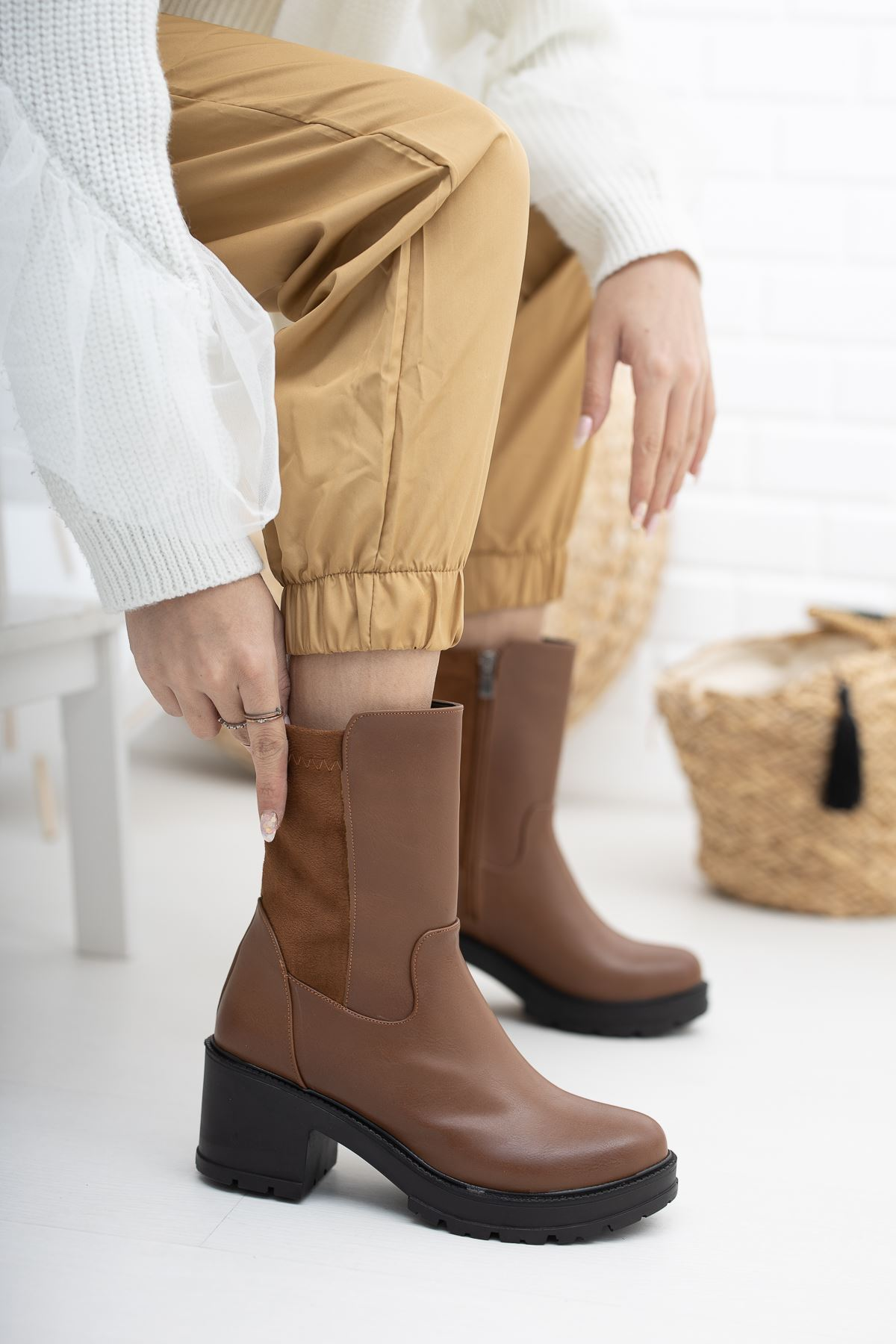 Elena Taba Topuklu Kadın Bot