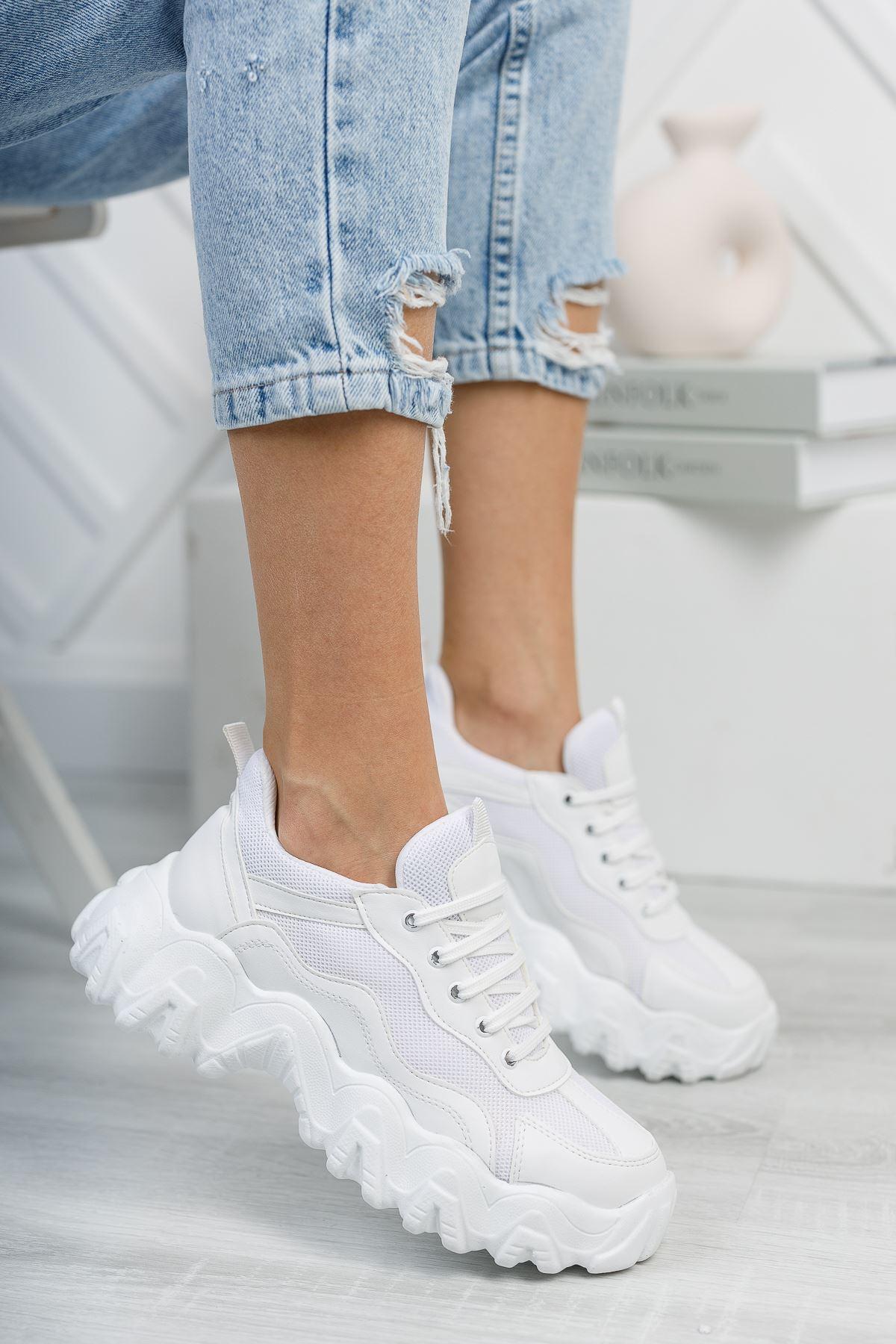Rapina Beyaz Mat Deri Bağcıklı Kadın Spor Ayakkabı