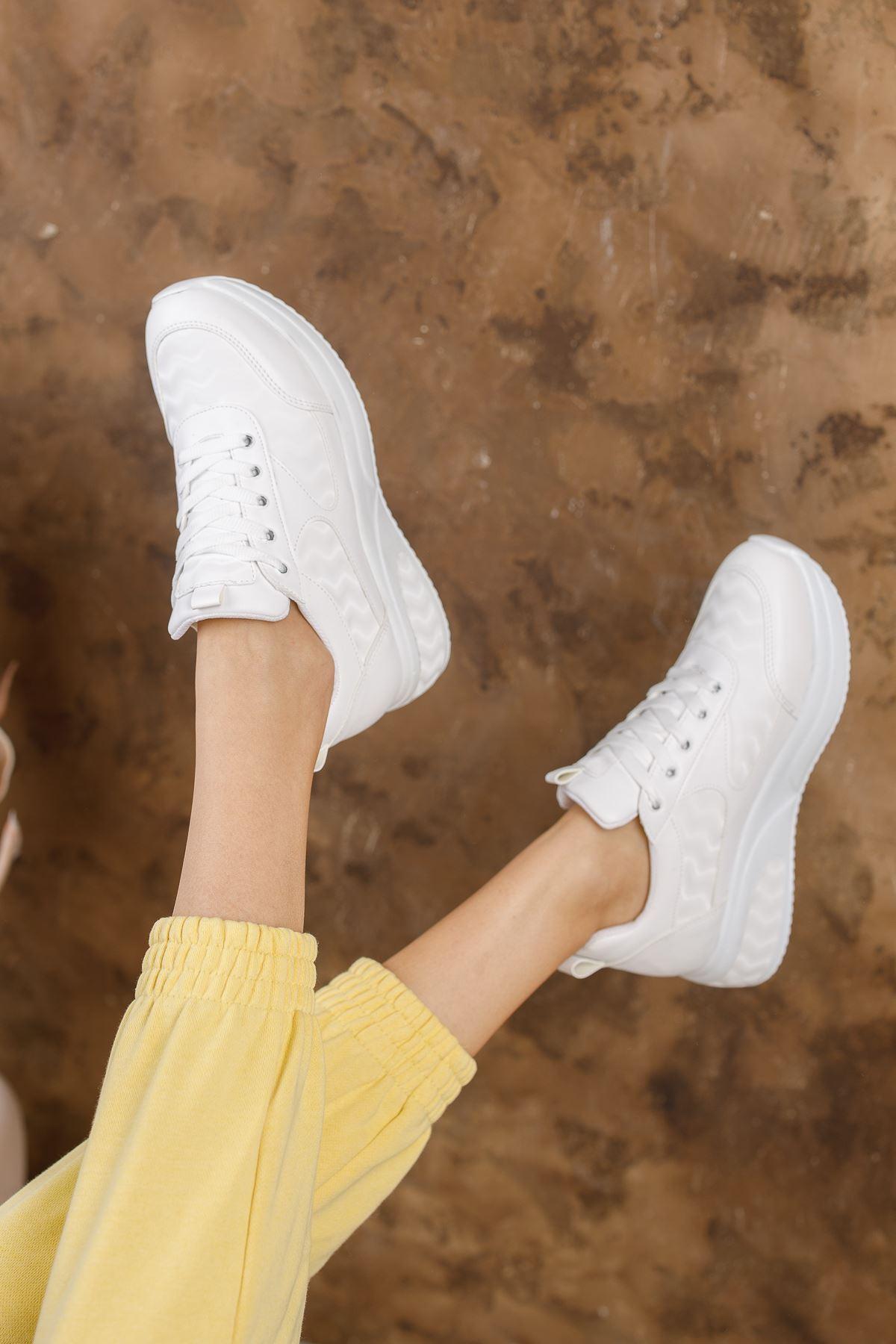 Noga 3D Efektli Beyaz Mat Deri Bağcıklı Kadın Spor Ayakkabı