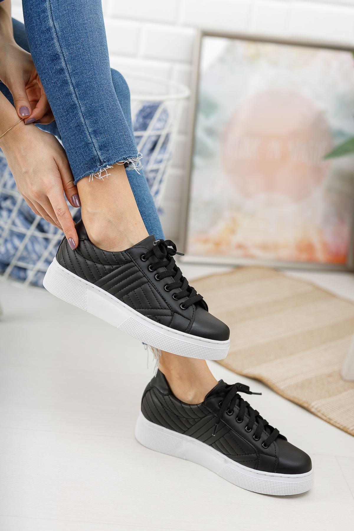 Marita Kapitoneli Bağcıklı Siyah - Beyaz Taban Spor Ayakkabı