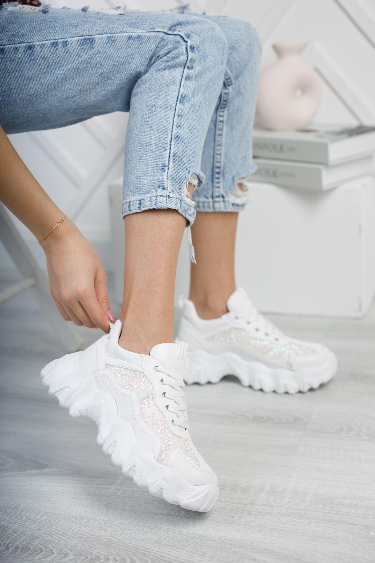 Rapina Beyaz Mat Deri Taşlı Bağcıklı Kadın Spor Ayakkabı