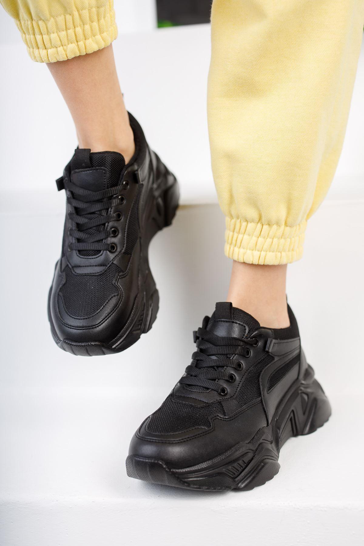 Lenimol Siyah Mat Deri Bağcıklı Kadın Spor Ayakkabı