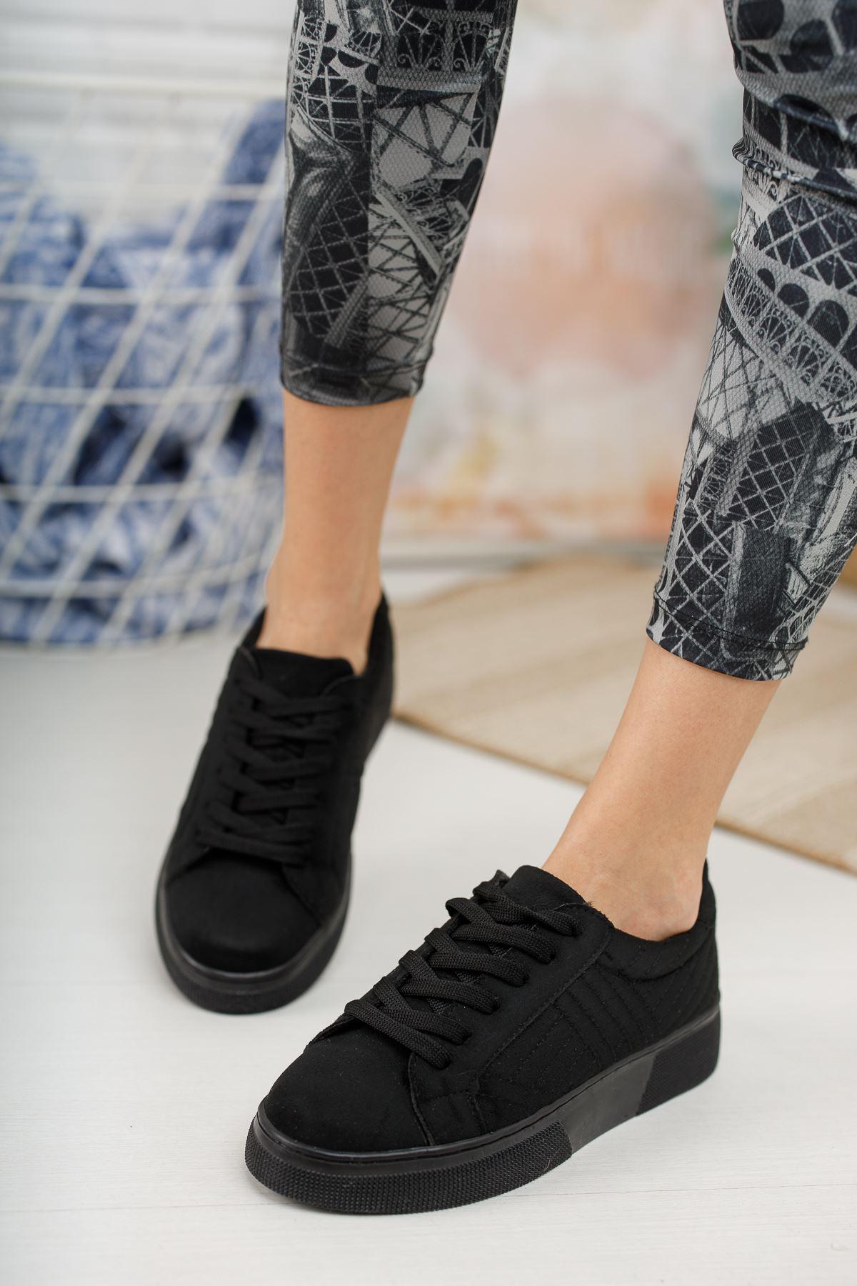Marita Kapitoneli Bağcıklı Siyah Süet Spor Ayakkabı