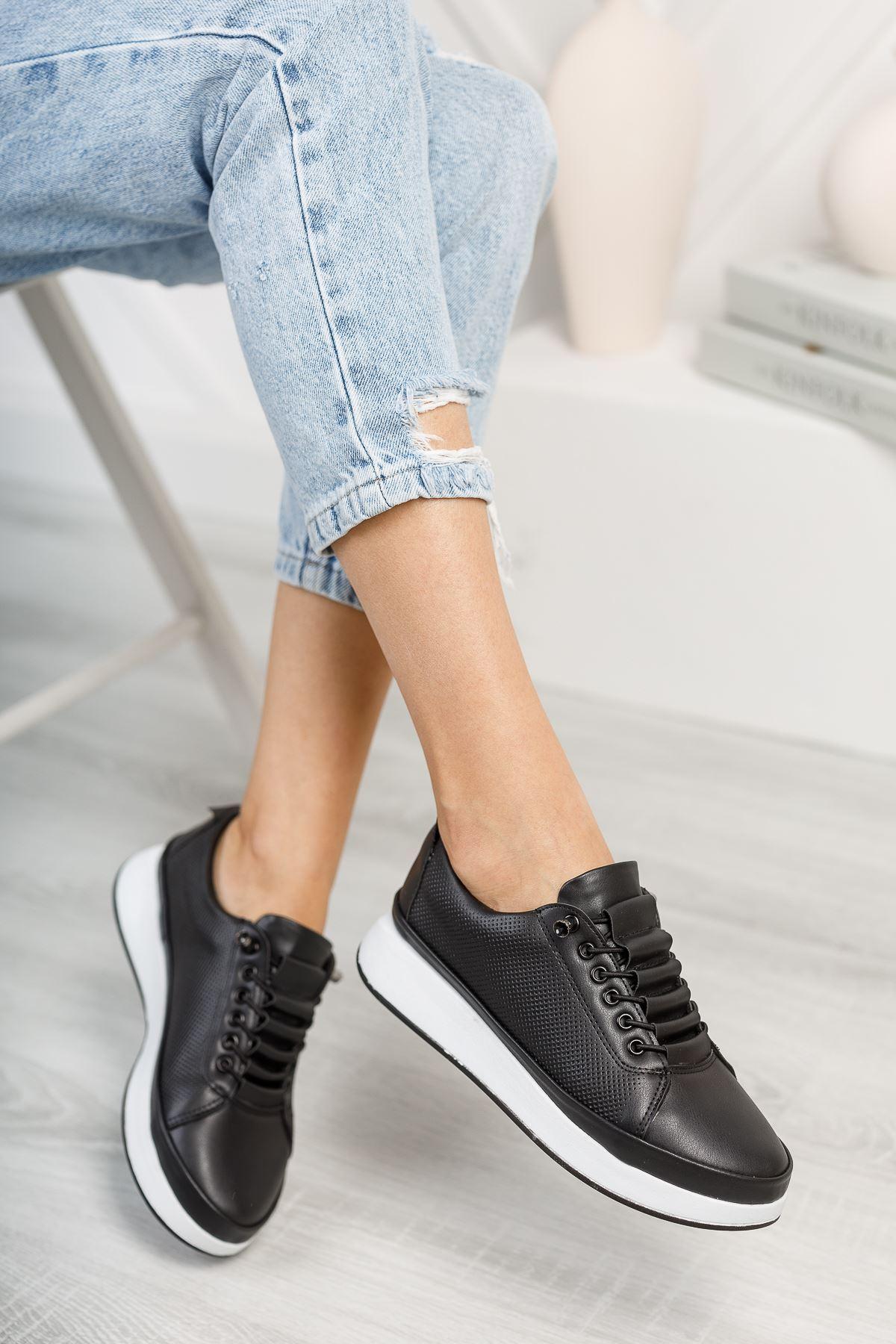 Karenna Siyah Mat Deri Bağcıklı Kadın Günlük Ayakkabı
