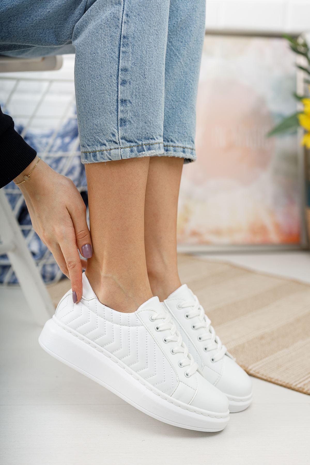 Cristo Kapitoneli Bağcıklı Beyaz Spor Ayakkabı