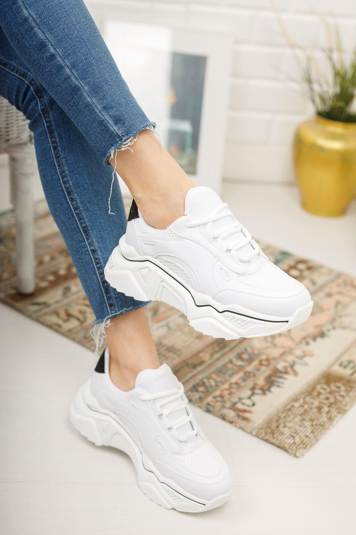 Loza Beyaz Mat Siyah Bağcıklı Kadın Spor Ayakkabı