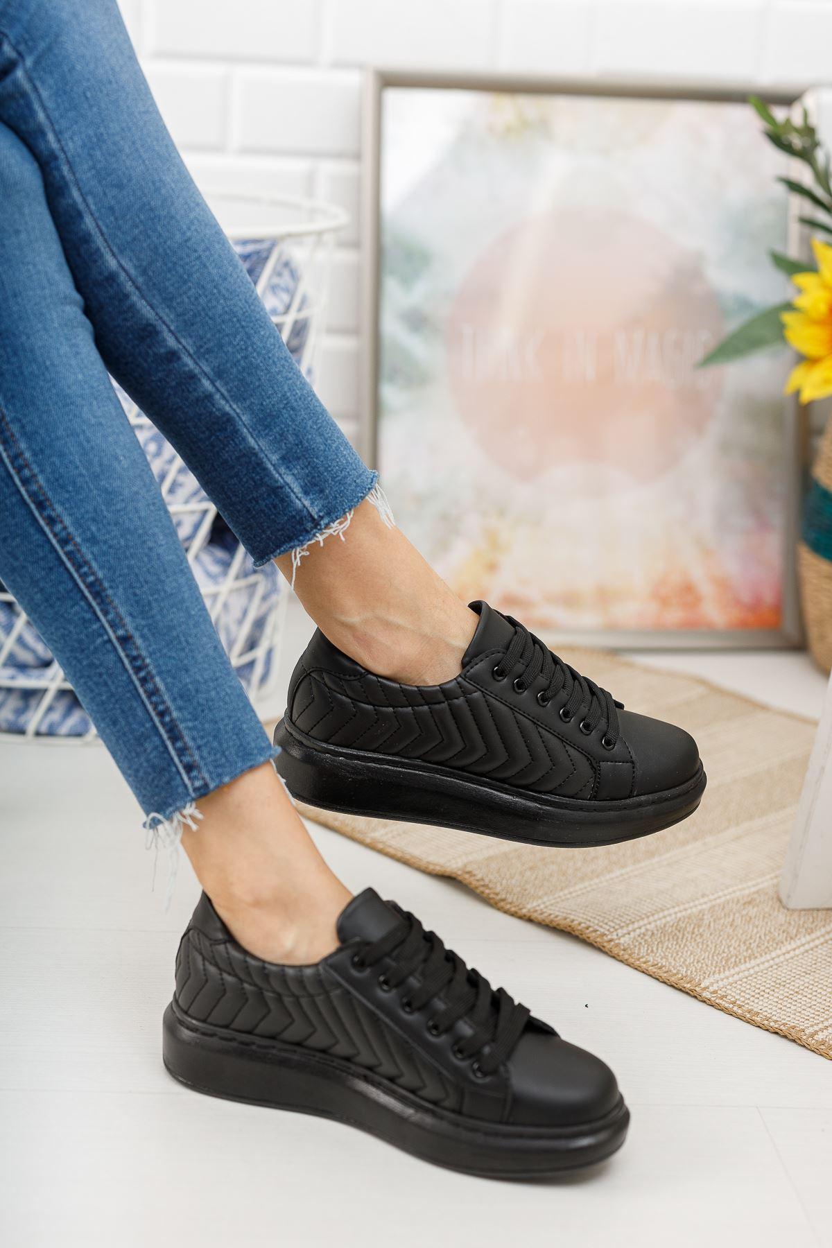 Cristo Kapitoneli Bağcıklı Siyah Spor Ayakkabı
