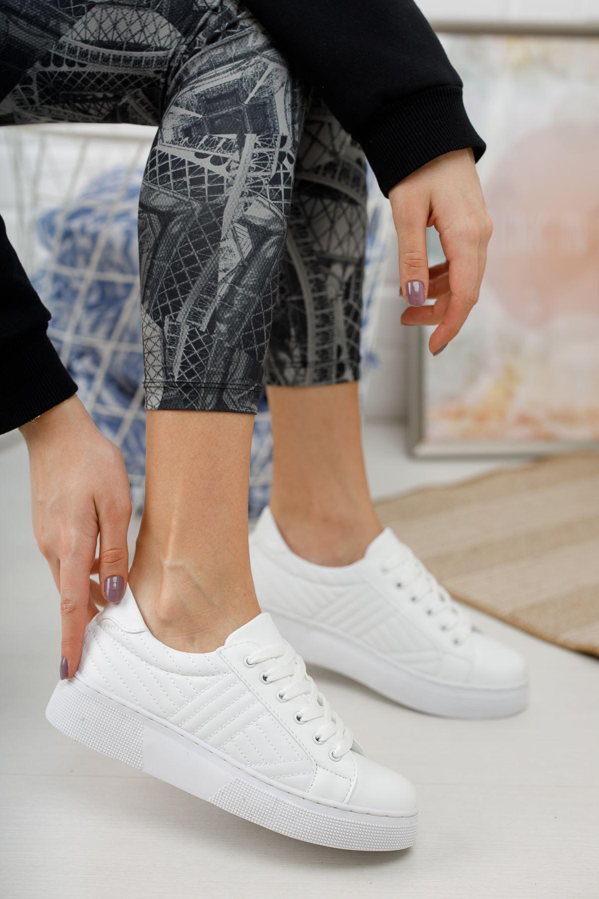 Marita Kapitoneli Bağcıklı Beyaz Spor Ayakkabı
