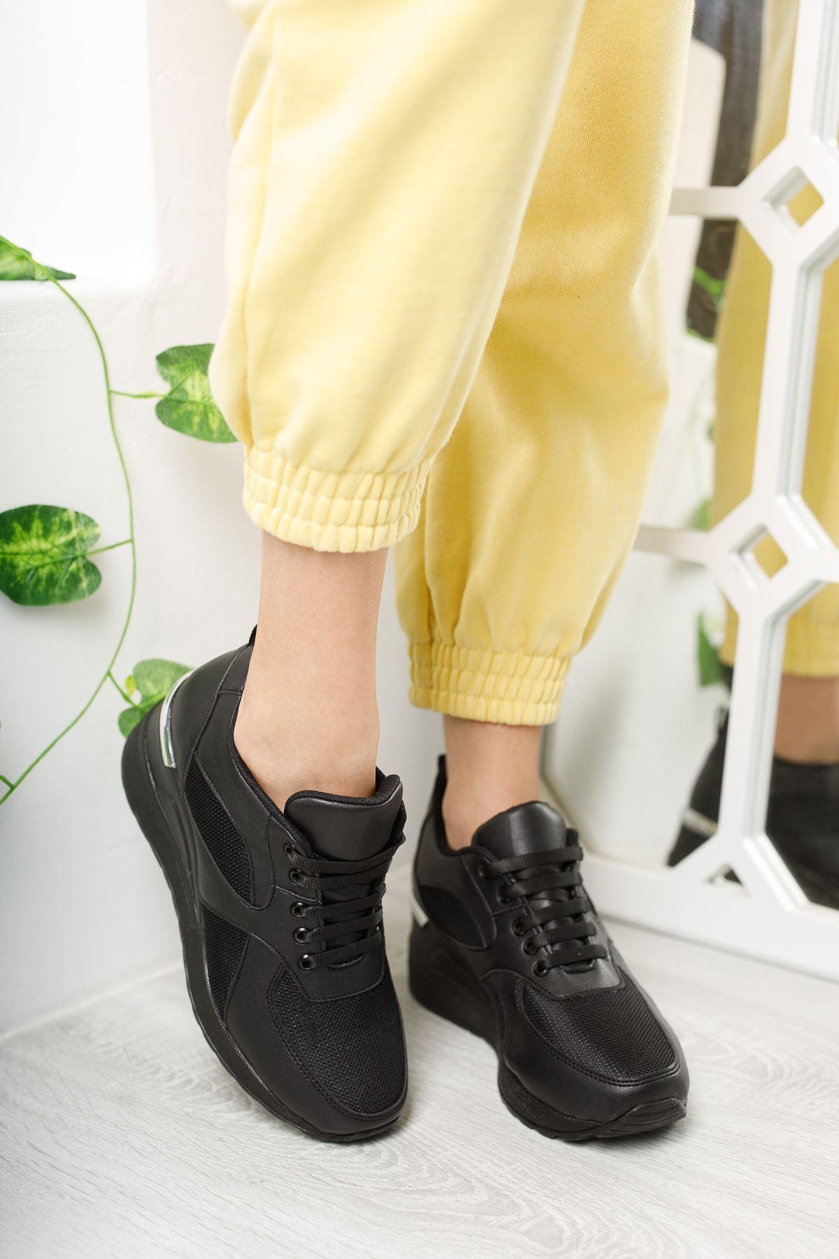 Esvora Siyah Mat Deri Bağcıklı Kadın Günlük Ayakkabı