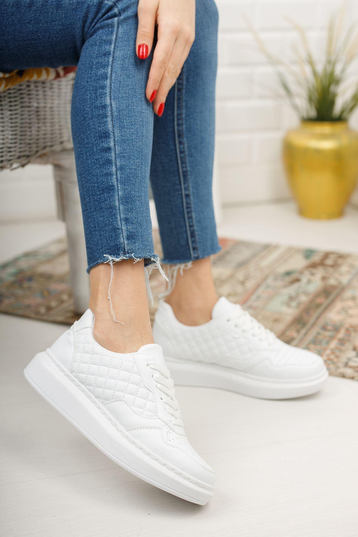 Danila Beyaz Kapitone Beyaz Mat Deri Bağcıklı Kadın Spor Ayakkabı