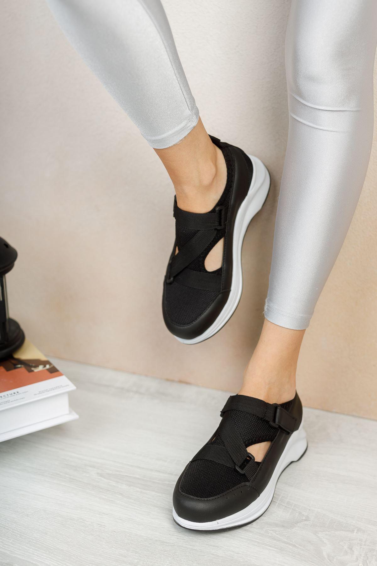 Tesra Siyah Lastikli Kadın Spor Ayakkabı