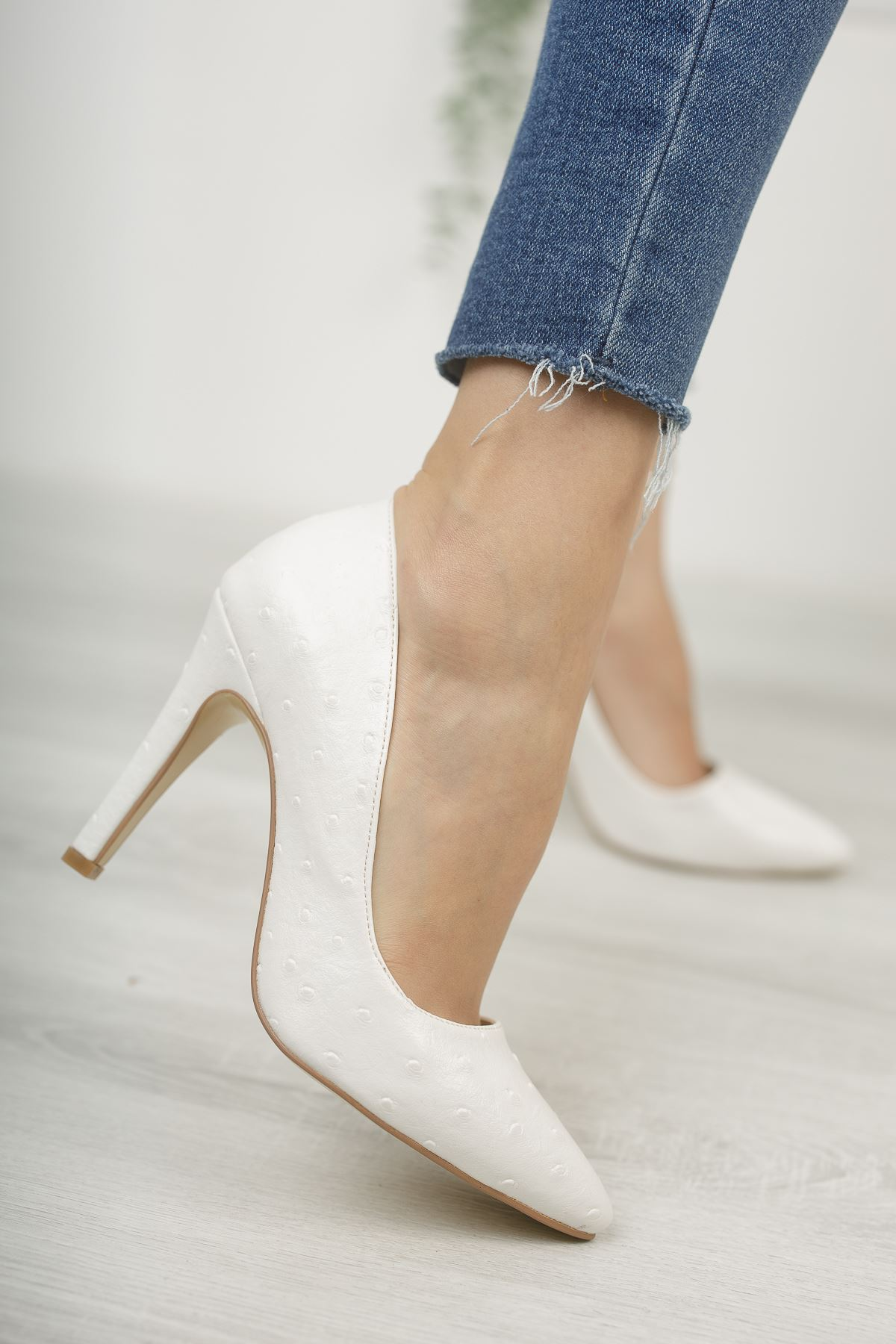 Mariam Beyaz Yüksek Topuklu Stiletto