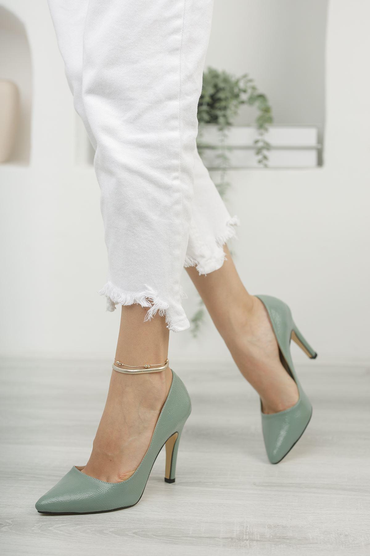Mariam Yeşil Kırışık Rugan Yüksek Topuklu Stiletto