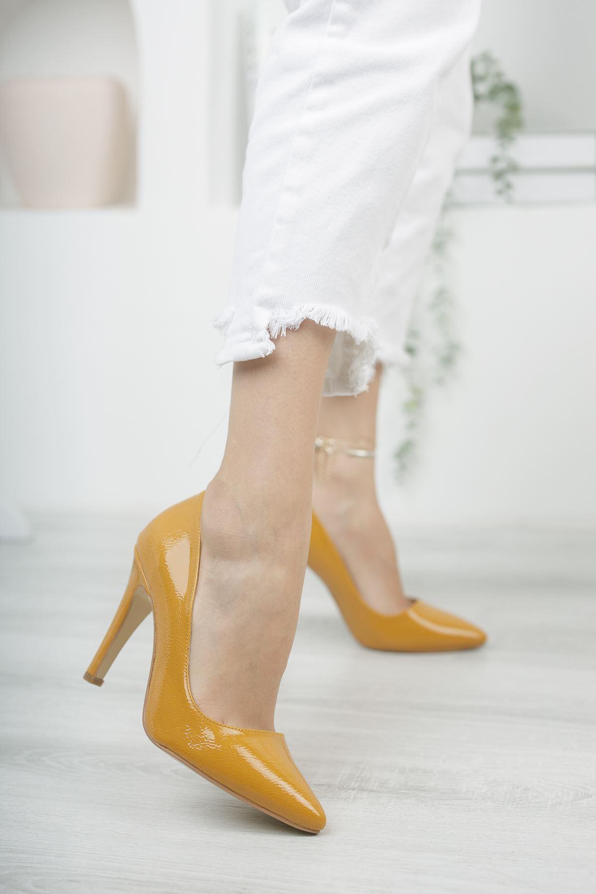 Mariam Hardal Kırışık Rugan Yüksek Topuklu Stiletto