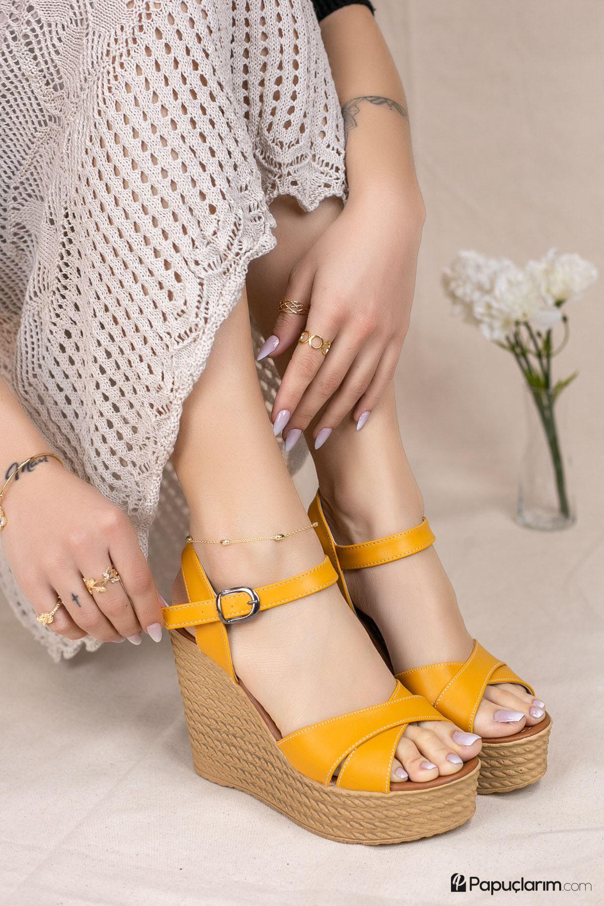 Shirley Hardal Mat Deri Dolgu Topuk Kadın Ayakkabı
