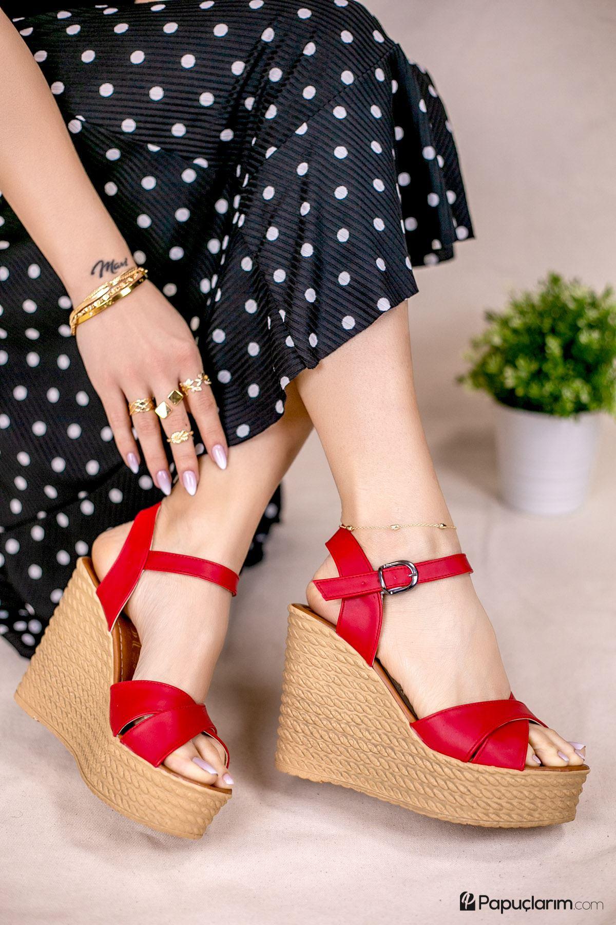 Shirley Kırmızı Mat Deri Dolgu Topuk Kadın Ayakkabı