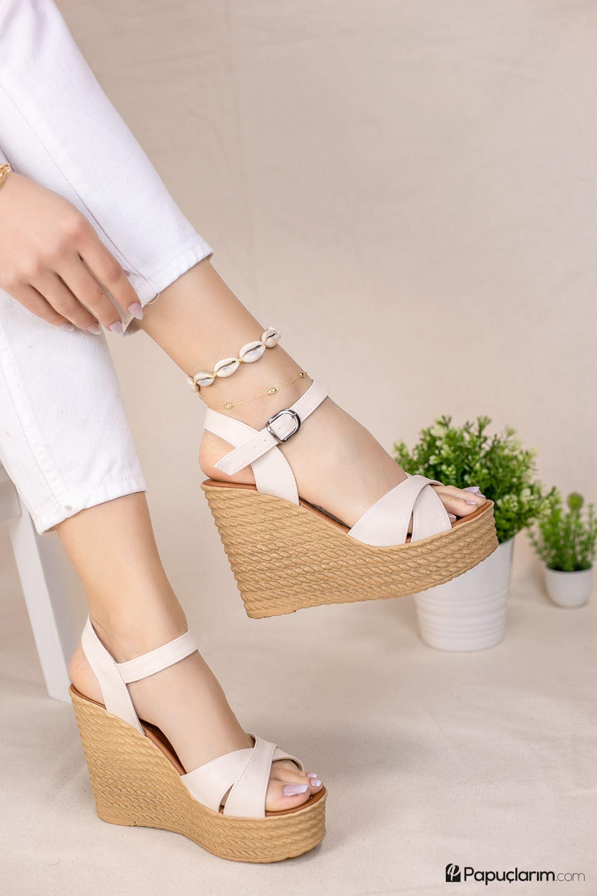 Shirley Krem Mat Deri Dolgu Topuk Kadın Ayakkabı