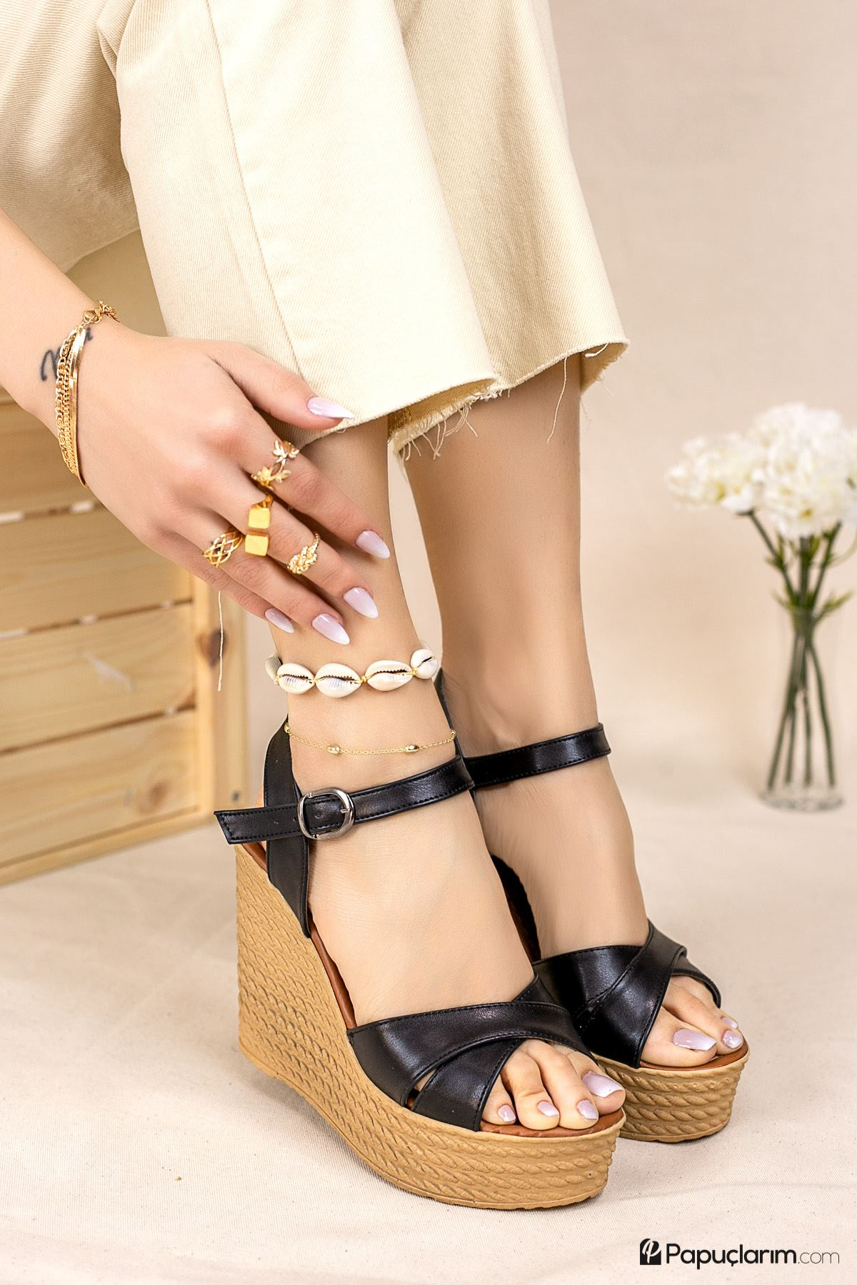 Shirley Siyah Mat Deri Dolgu Topuk Kadın Ayakkabı