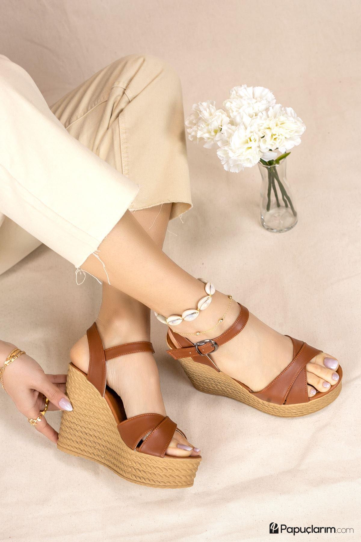 Shirley Taba Mat Deri Dolgu Topuk Kadın Ayakkabı