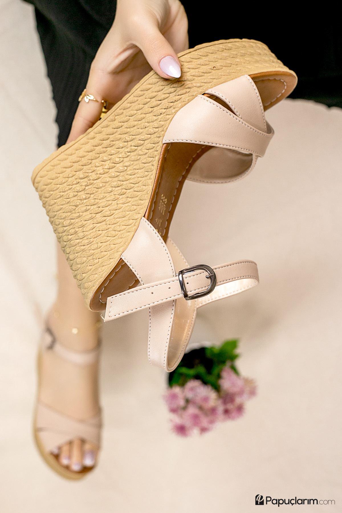 Shirley Vizon Mat Deri Dolgu Topuk Kadın Ayakkabı