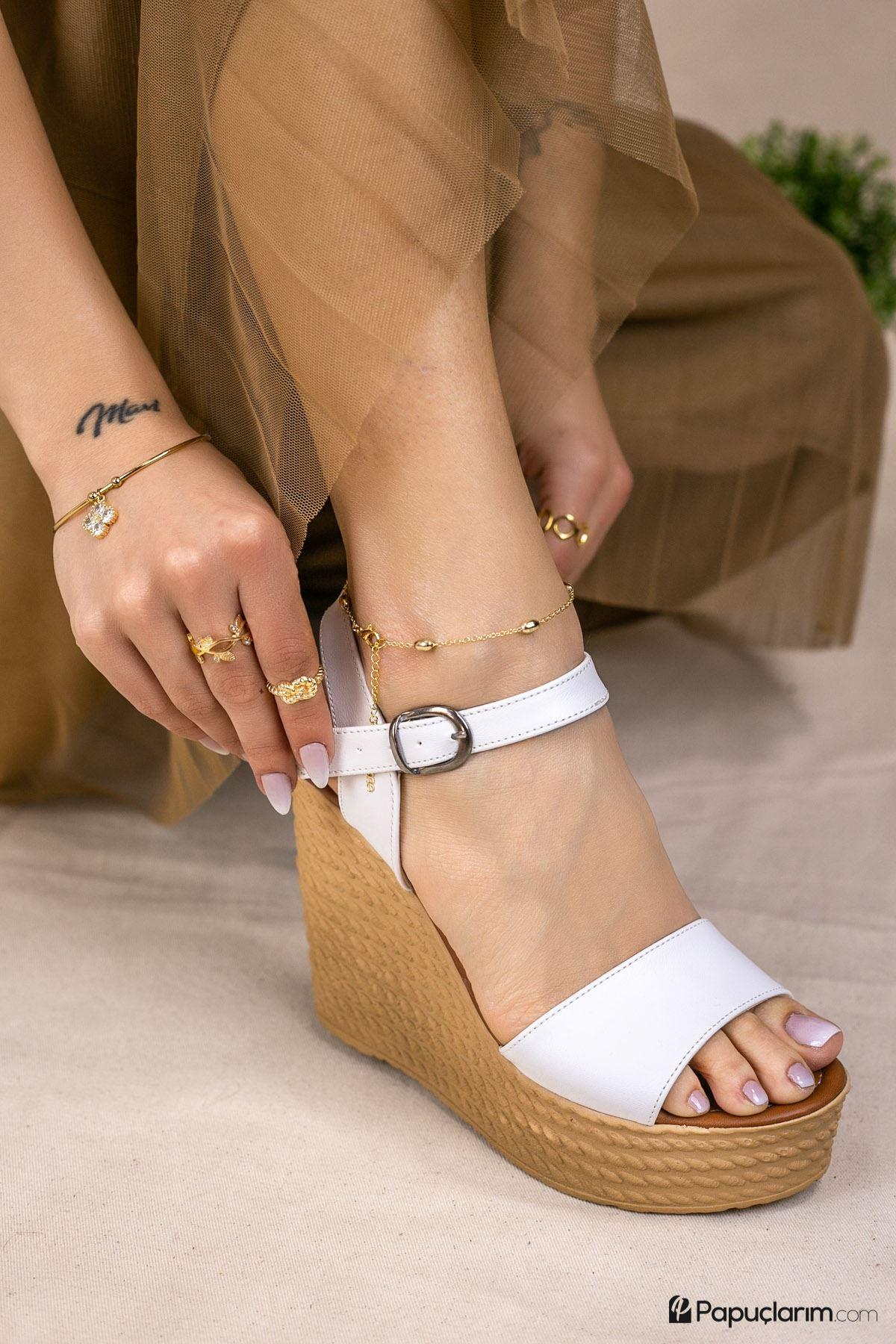Angie Beyaz Mat Deri Dolgu Topuk Kadın Ayakkabı