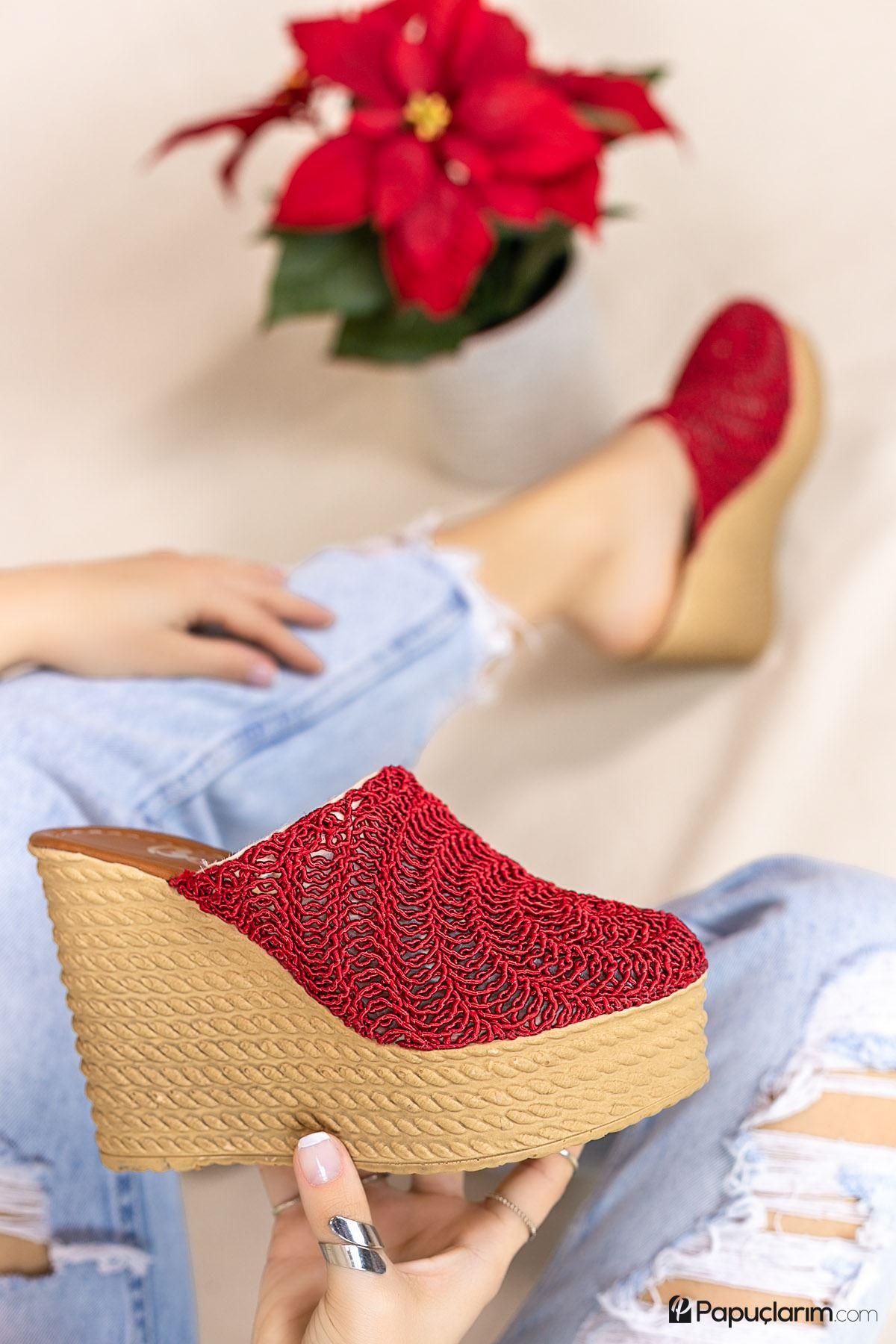 Nova Kırmızı Dantel Yüksek Dolgu Topuk Kadın Terlik