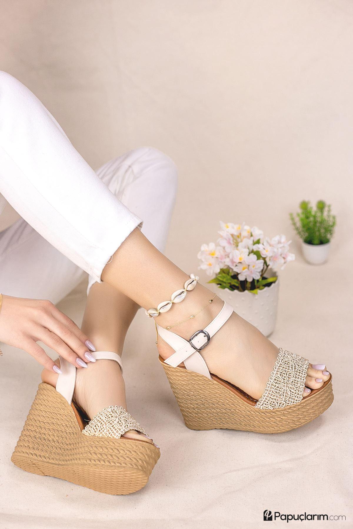 Hilde Krem Dantel Yüksek Dolgu Topuk Kadın Ayakkabı