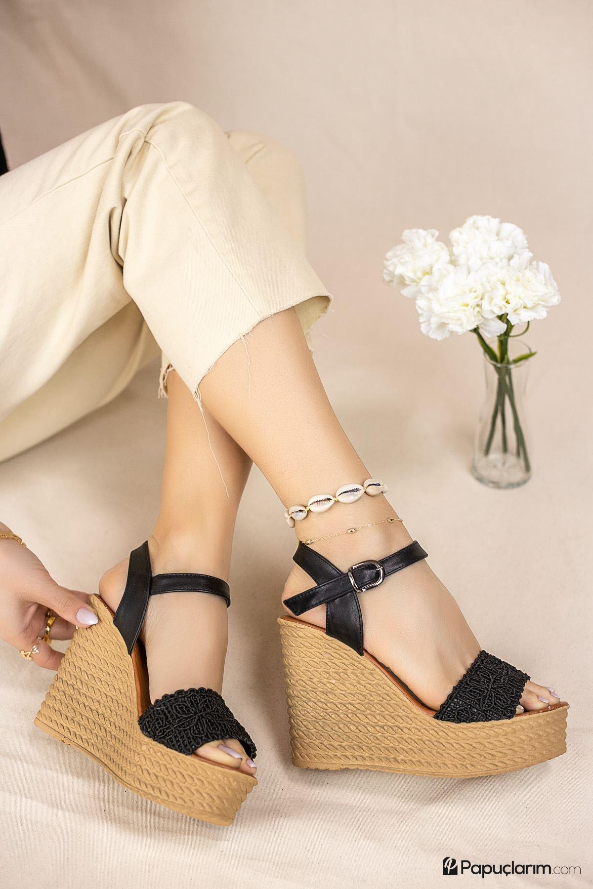 Hilde Siyah Dantel Yüksek Dolgu Topuk Kadın Ayakkabı
