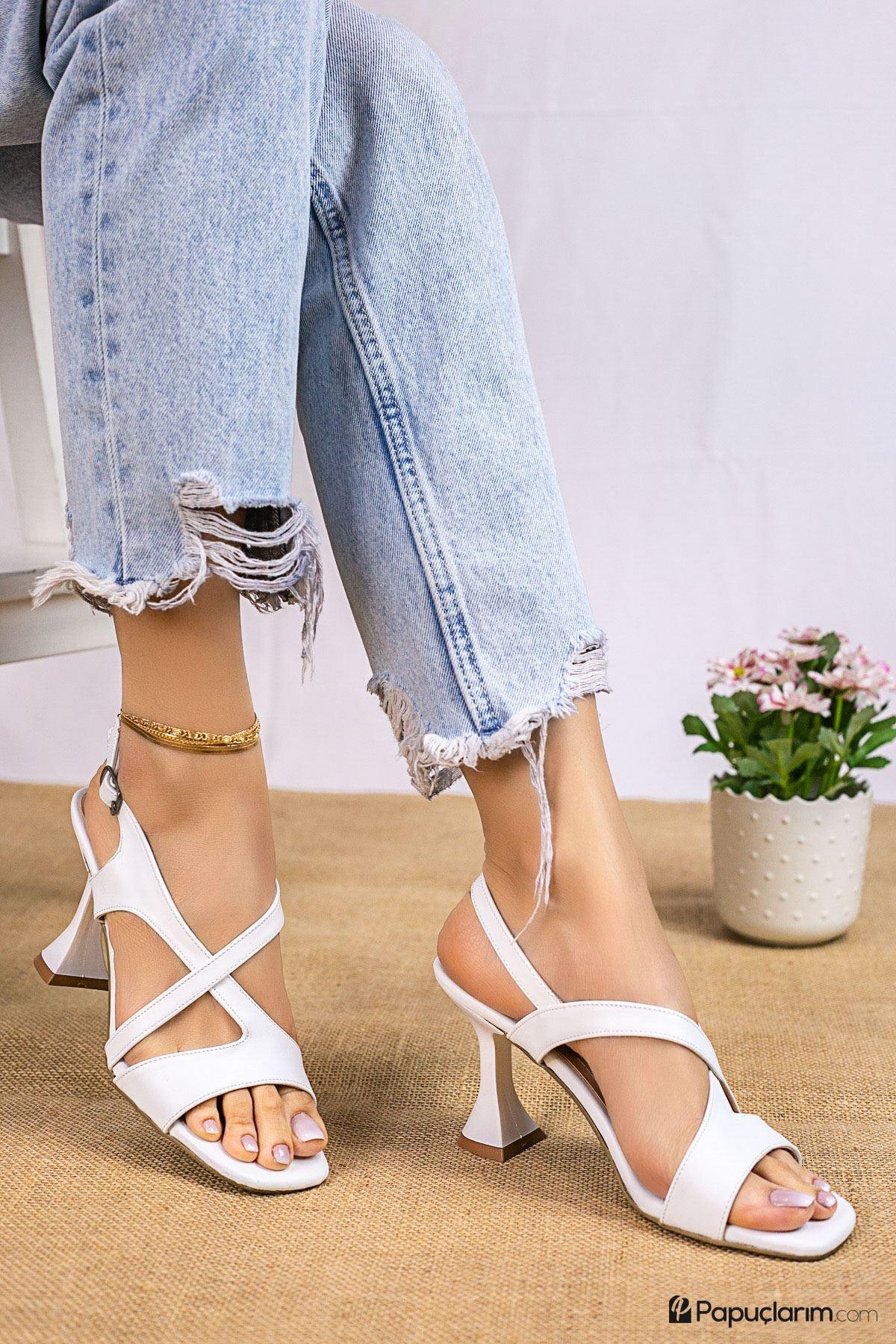 Jaylee Beyaz Mat Deri Kadın Topuklu Ayakkabı