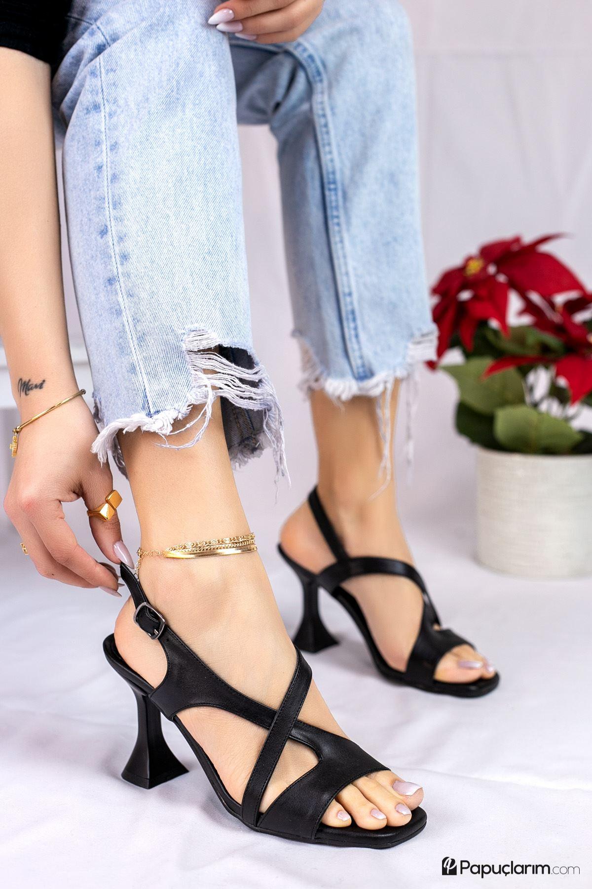 Jaylee Siyah Mat Deri Kadın Topuklu Ayakkabı