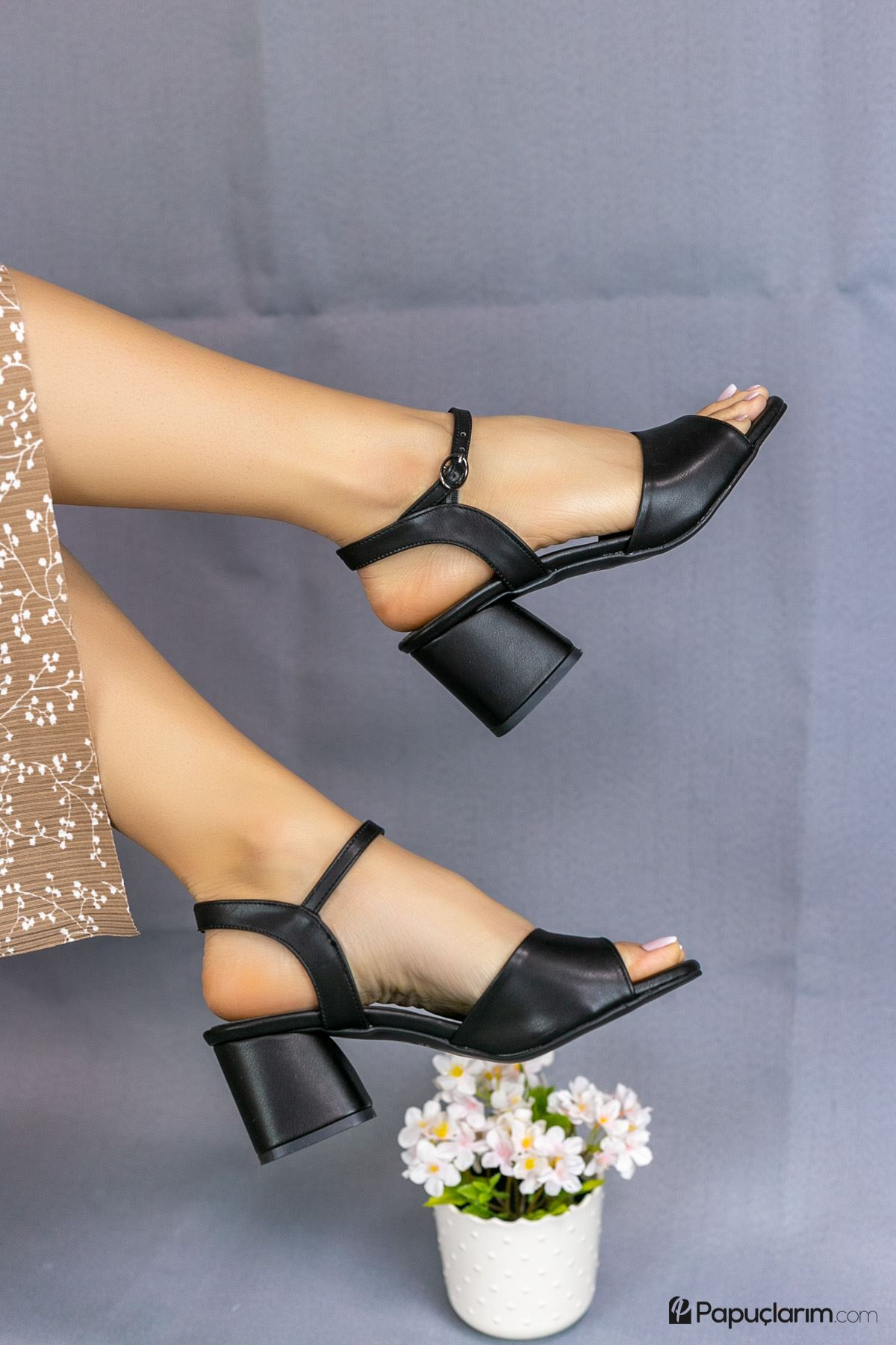 Agie Siyah Mat Deri Topuklu Kadın Ayakkabı