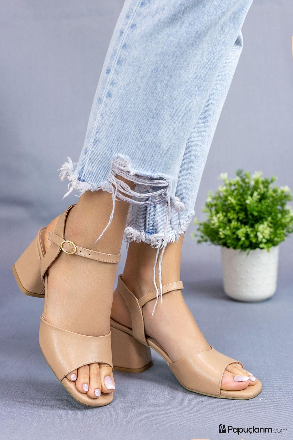 Agie Vizon Mat Deri Topuklu Kadın Ayakkabı