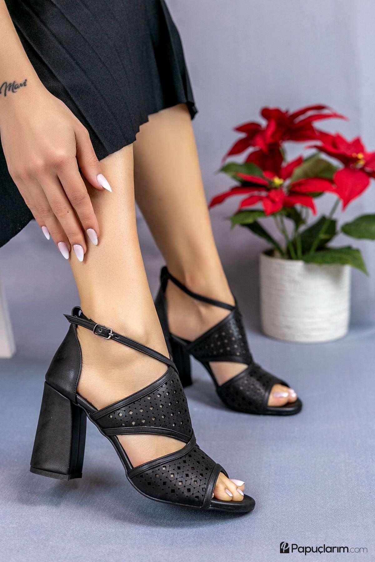 Elissa Siyah Mat Deri Kadın Topuklu Ayakkabı