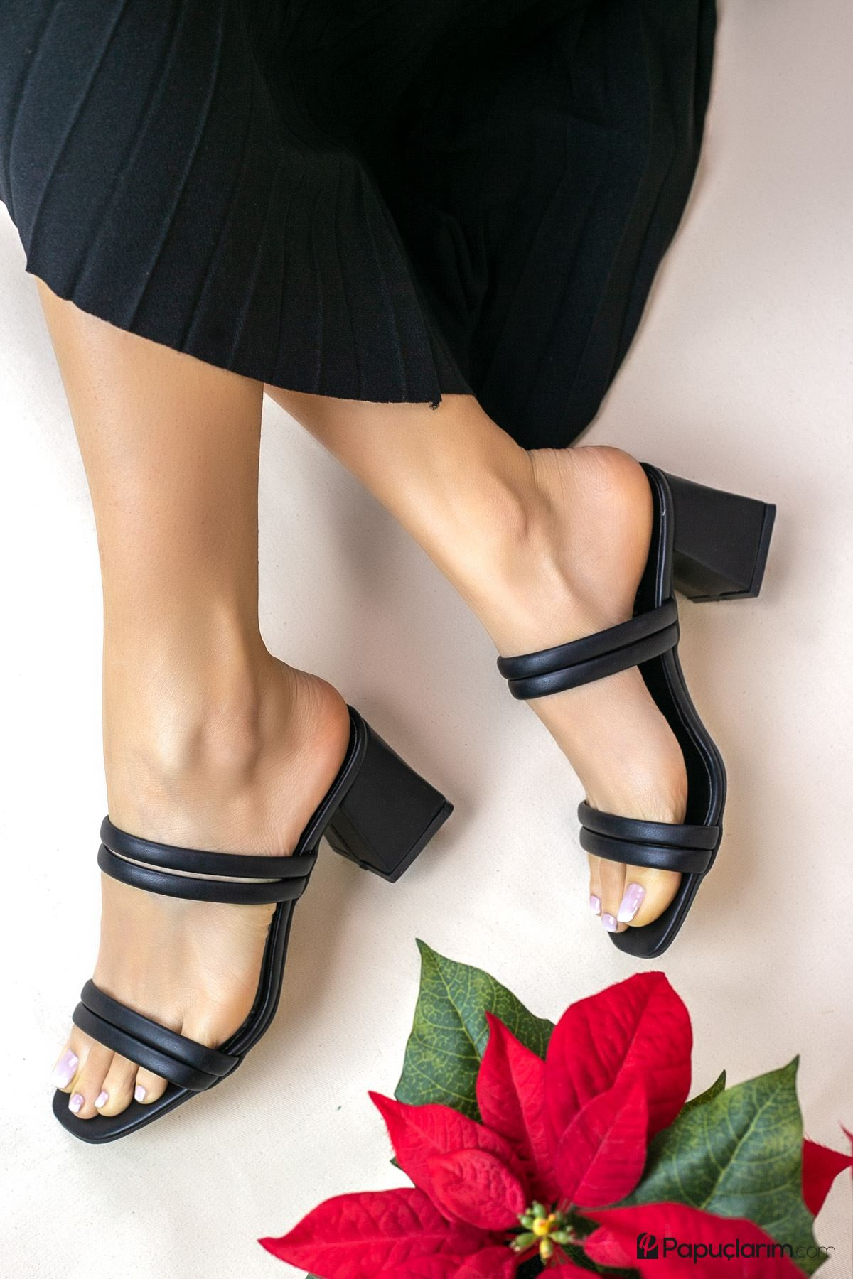 Lanza Siyah Mat Deri Kadın Topuklu Terlik
