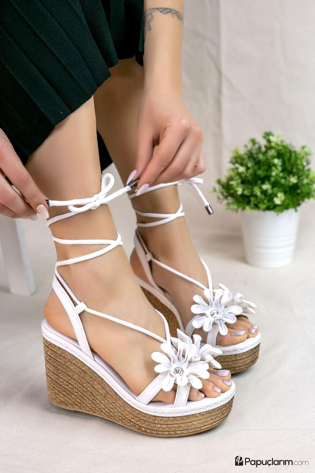 Marsala Beyaz Mat Deri Kadın Dolgu Topuklu Ayakkabı