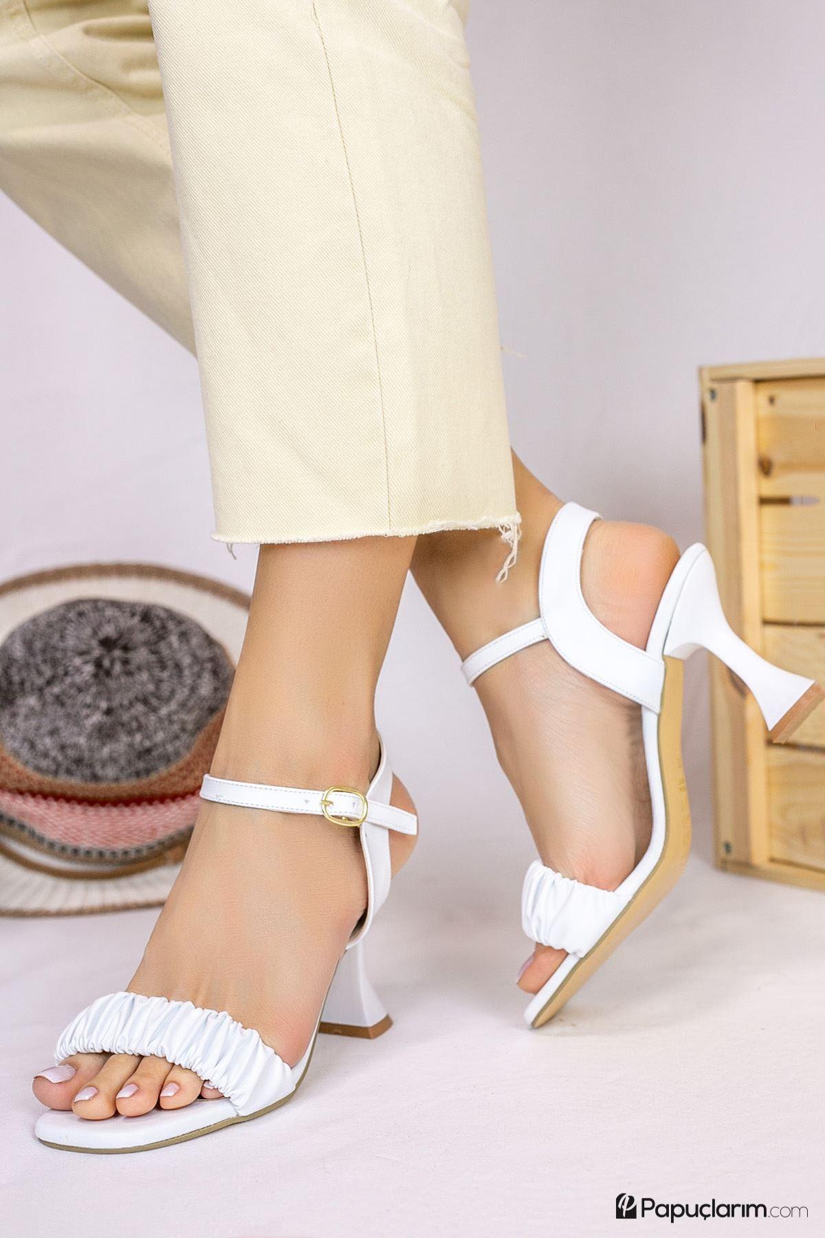 Mistico Beyaz Mat Deri Kadın Topuklu Ayakkabı