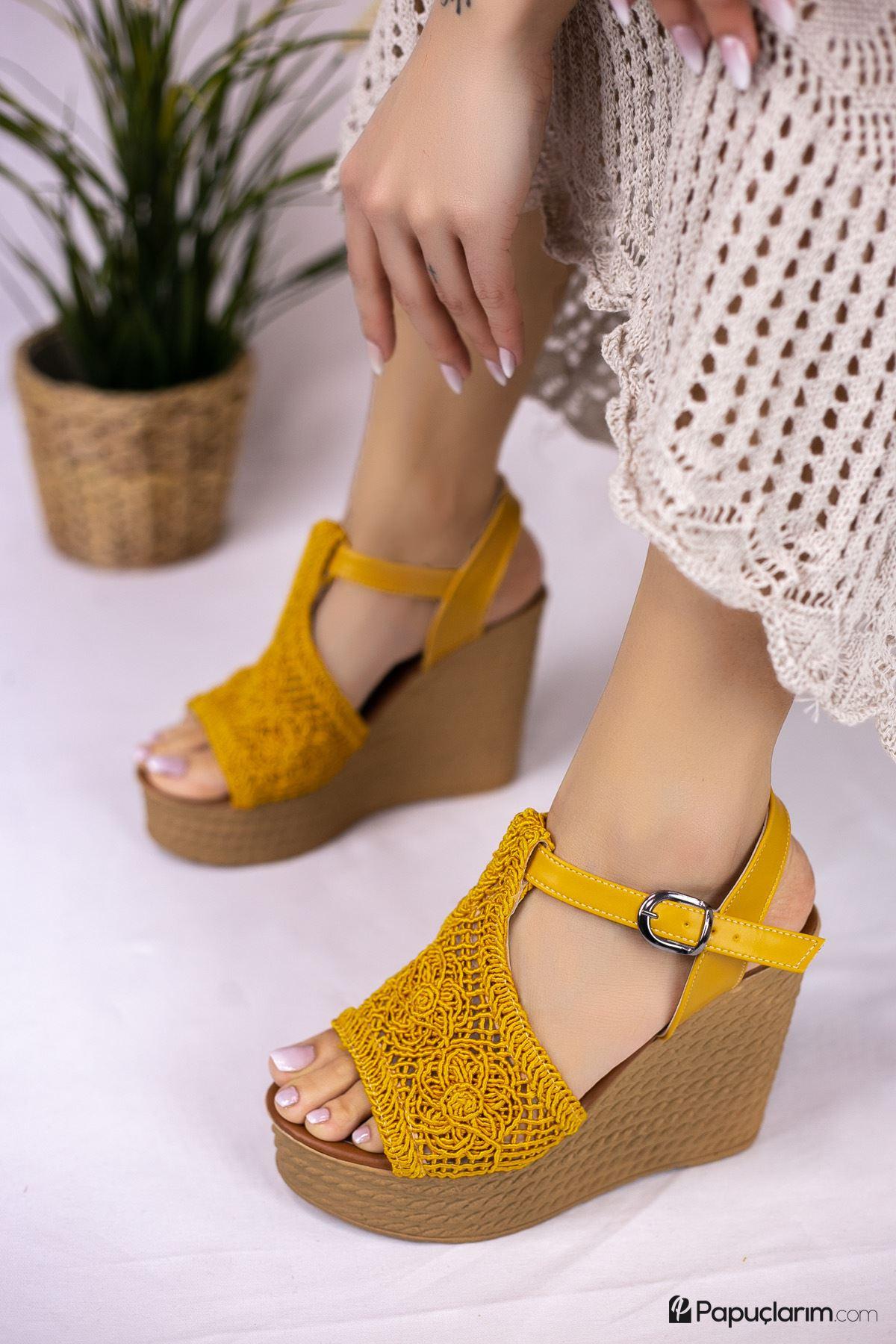 Venita Hardal Dantel Yüksek Dolgu Topuk Kadın Ayakkabı