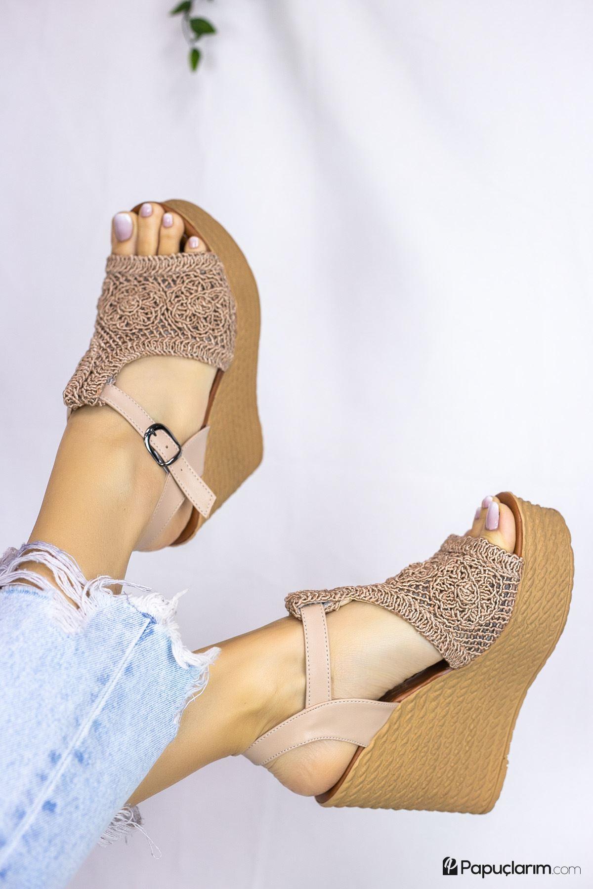 Venita Vizon Dantel Yüksek Dolgu Topuk Kadın Ayakkabı